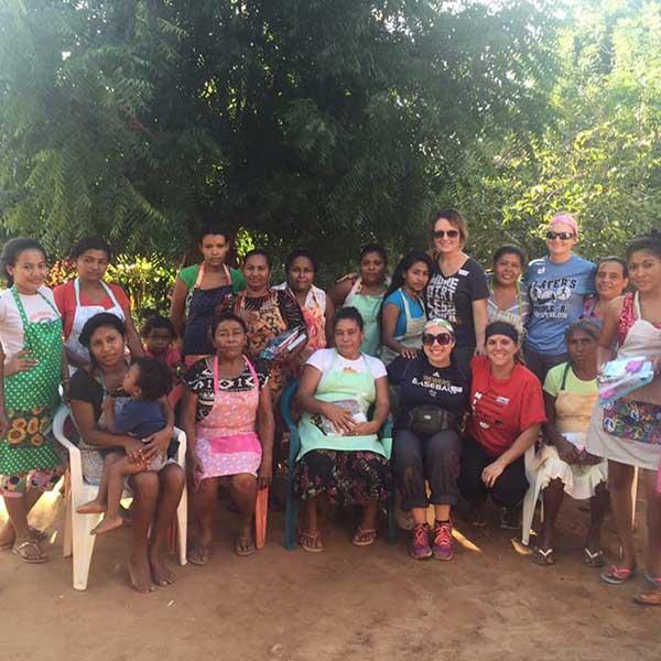 Group photo of Volunteers & Locals in Honduras